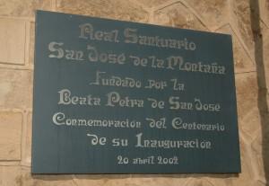 Placa conmemorativa del Real Santuario de San José de la Montaña