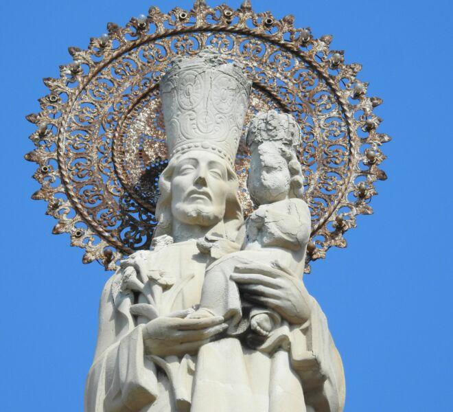 Imagen de San José que coronaba la fachada