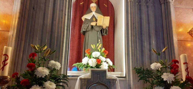 16 de cada mes misa en la capilla de madre petra