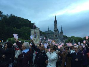 peregrinos en Lourdes
