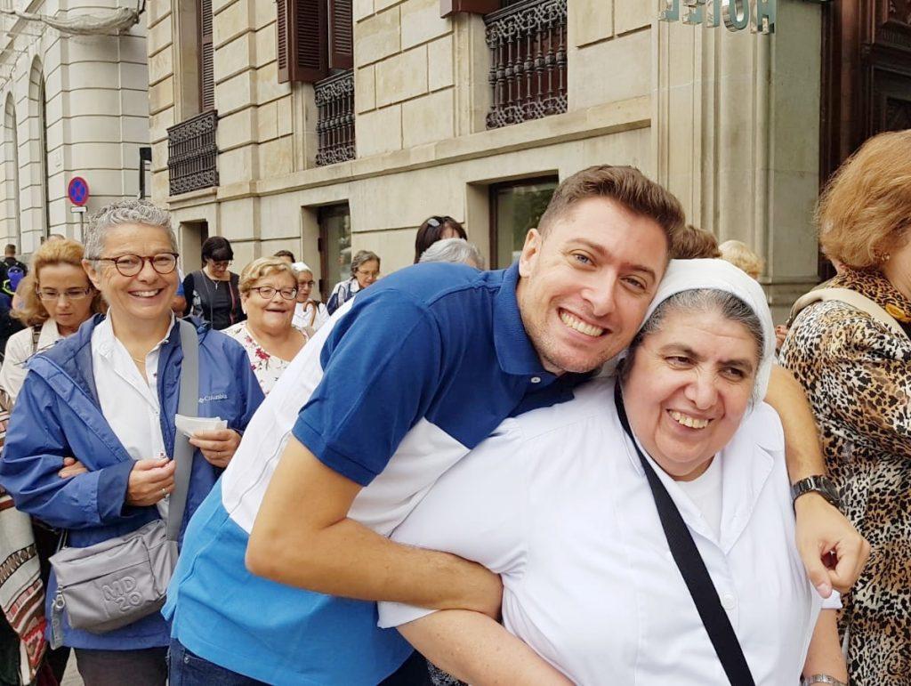 sonrisas ruta beata petra por barcelona