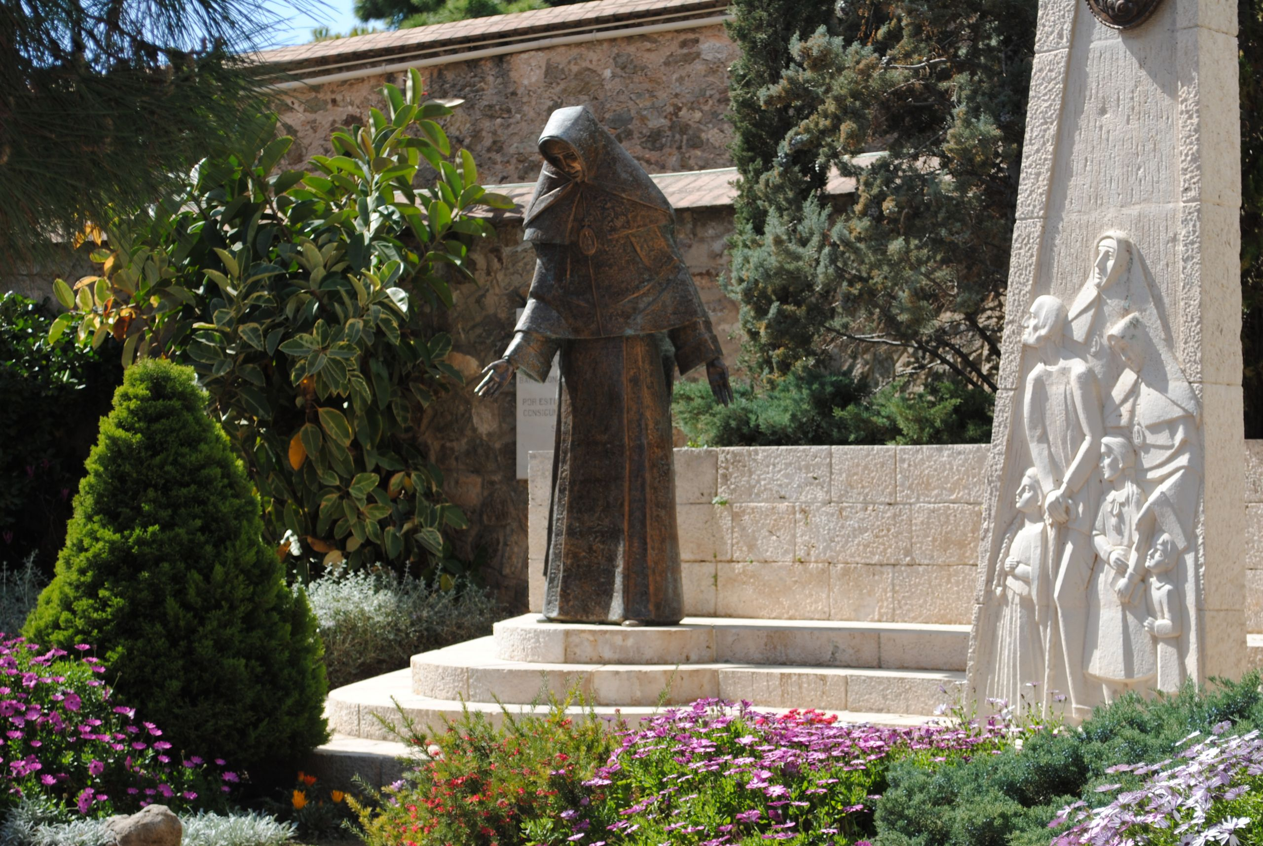 Estatua Madre Petra de San José