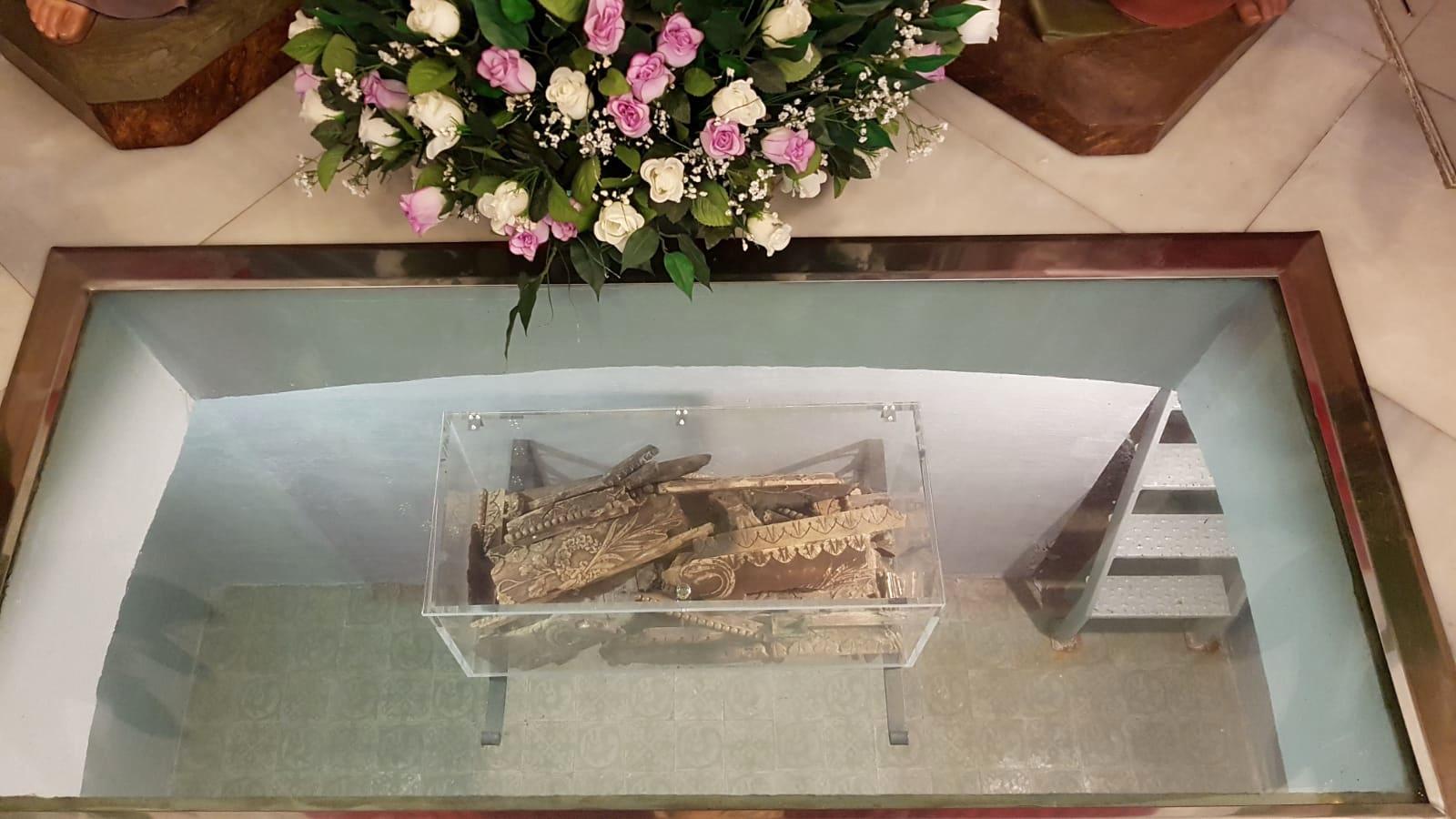 restos del ataud quemado
