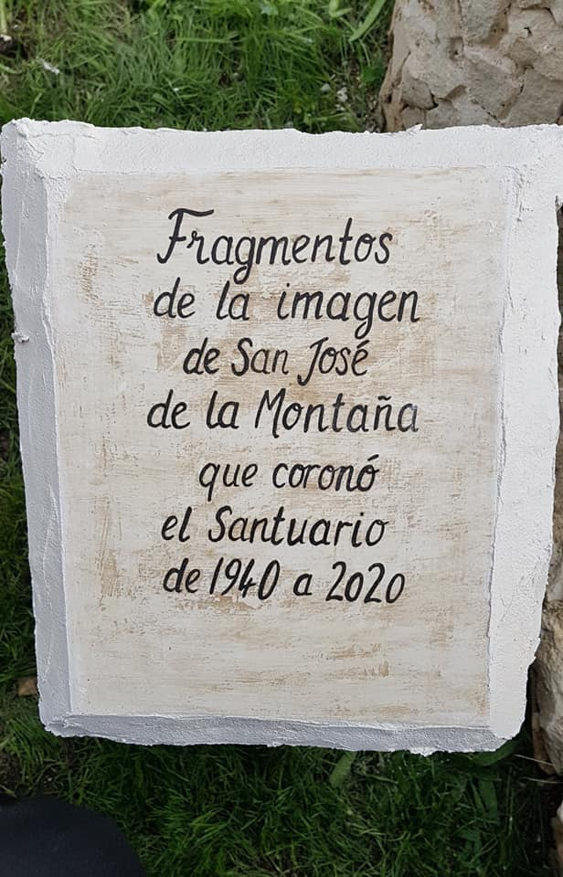 Piedra conmemorativa del monumento a san jose de la montaña
