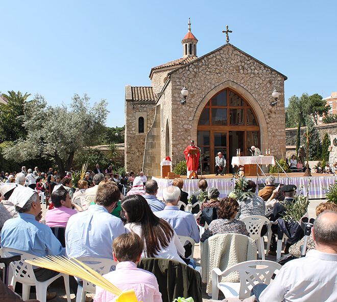 Domingo de Ramos. Santuario San José de la Montaña. Barcelona. Misa. Celebración religiosa.