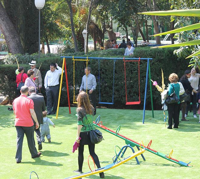 Jardines en Gracia, Barcelona. Can Tusquest. Centro de acogida de menores.