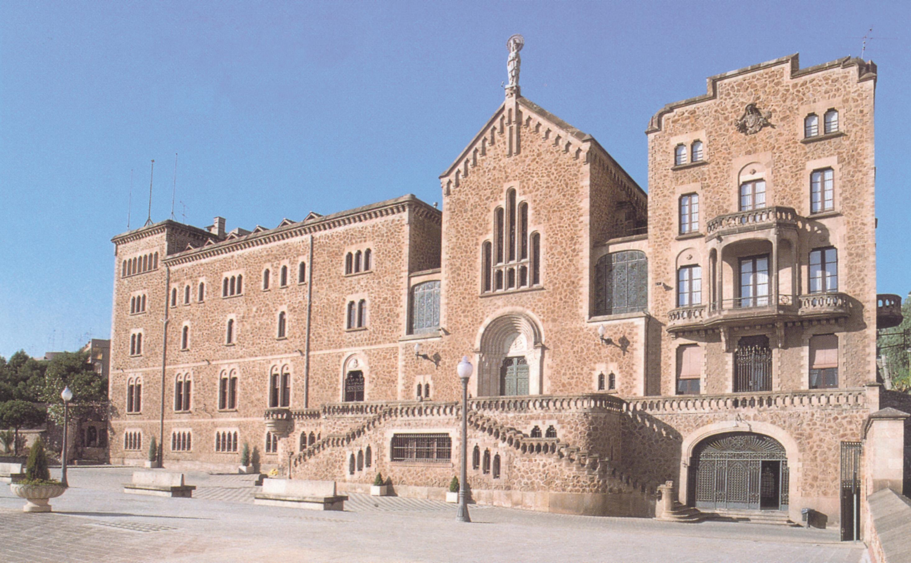 Edificio Modernista construido por Berenguer i Mestre.